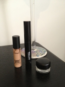 My favourite MAC cosmetics products - Black track liner